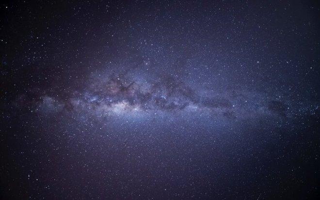 El universo no es oscuro: oculta una fuente de luz