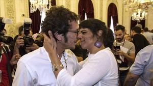 Teresa Rodríguez i Kichi, embarassats del seu primer fill