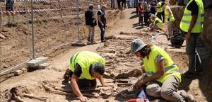 Exhumación de la fosa de Figuerola dOrcau.