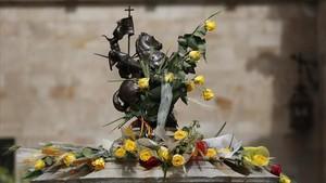 Roses grogues omplen el Palau de la Generalitat