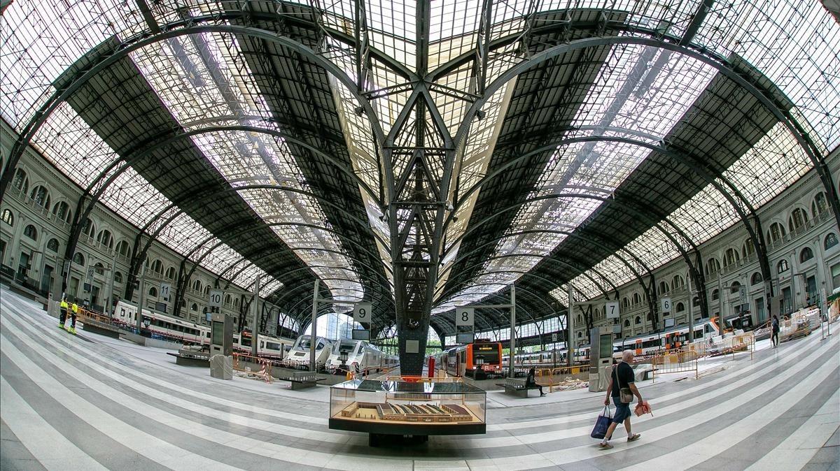 La estación de França, con la maqueta en primer plano.