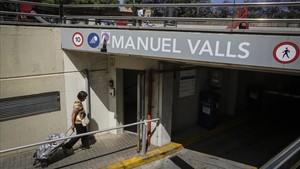 La entrada del aparcamiento Manuel Valls de Badalona, el jueves.