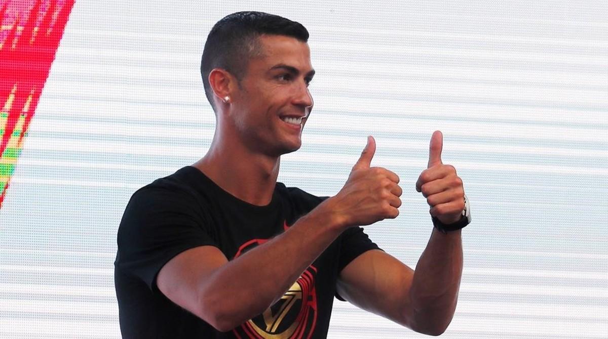 Ronaldo, durante su visita a China.