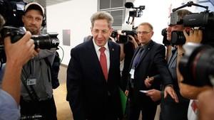 El cap de la intel·ligència alemanya dimiteix pels seus vincles amb la ultradreta