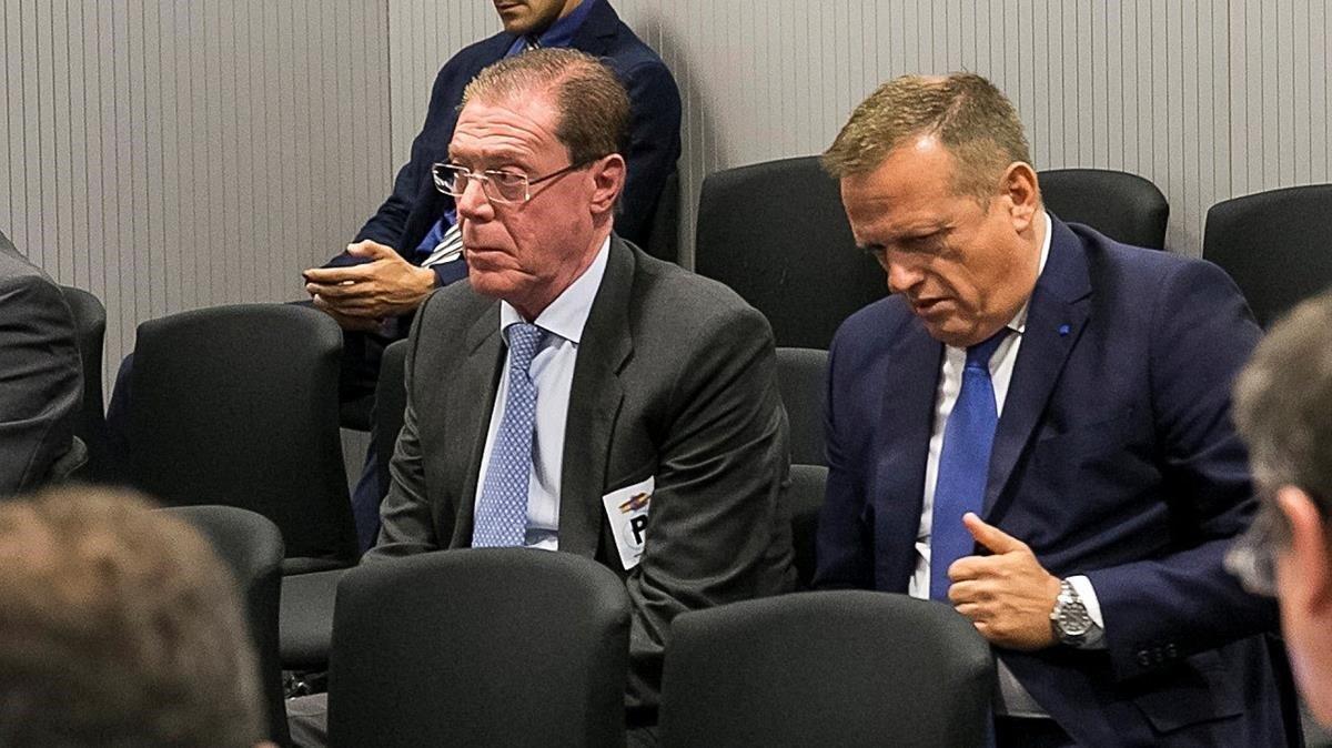 Domingo Parra (izquierda), durante el juicio en la Audiencia Nacional.
