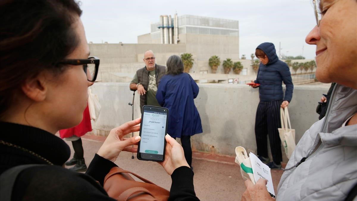 El Fòrum de les pudors: els veïns revisen la zona amb una 'app'