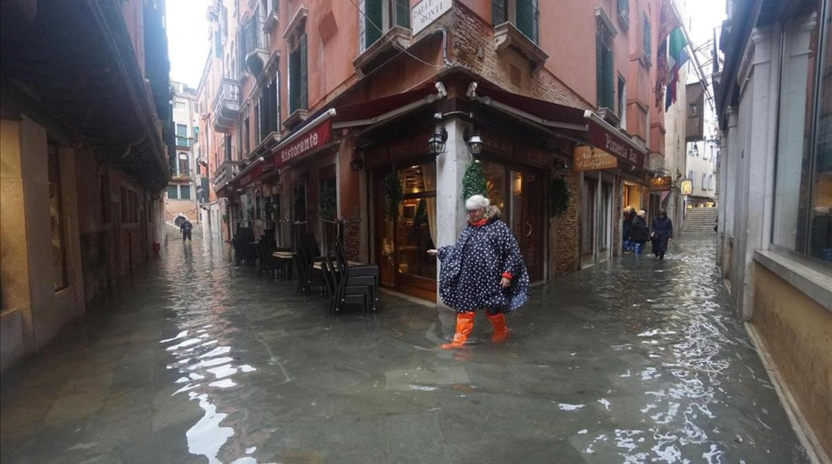 La sede de gobierno de Venecia se inunda tras rechazar medidas contra la crisis climática - El Periódico