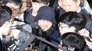 La 'Rasputina' de Corea del Sur, condenada a 20 años de cárcel