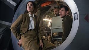 Abigail Spencer, Matt Lanter y Malcolm Barrett, los protagonistas de Timeless.