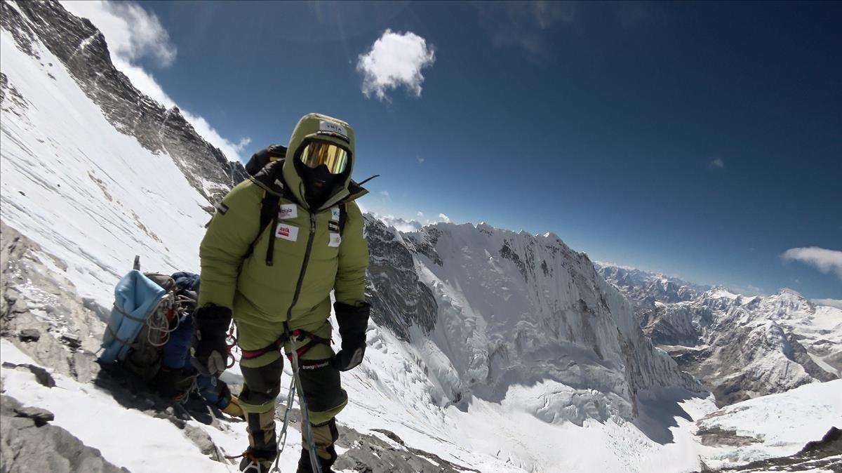Alex Txikon, cerca del collado sur del Everest.