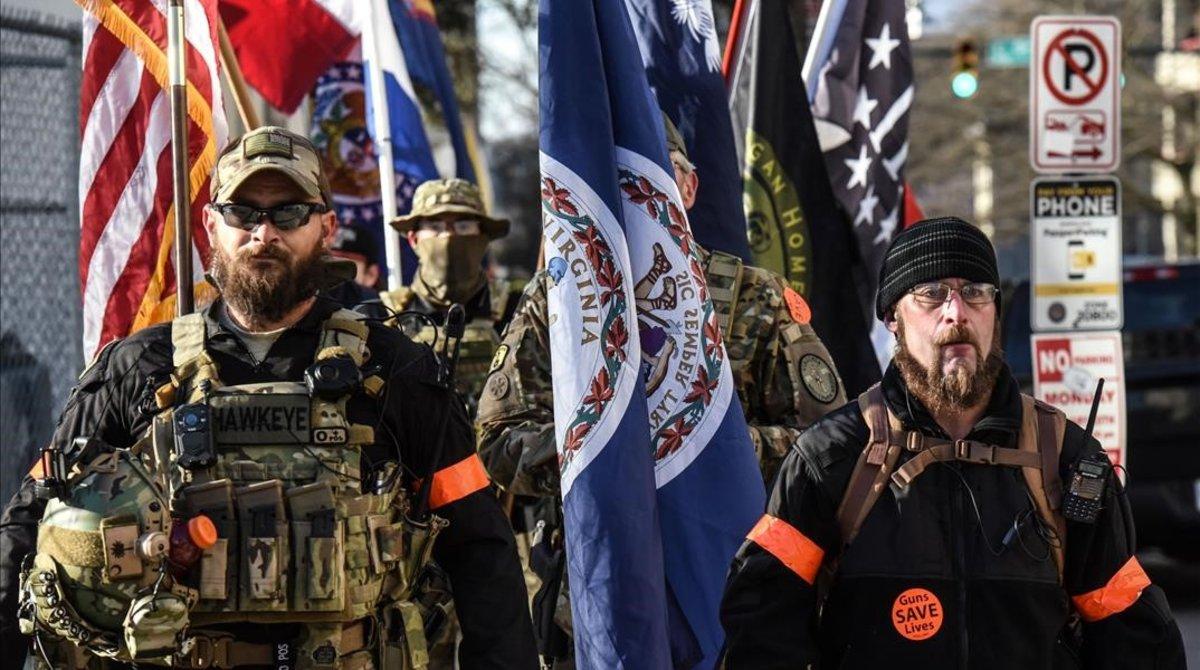 Asistentes a la manifestación en pro de las armas en Richmond, Virginia.