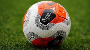 El balón con el que se jugó el Burnley-Bournemouth de la Premier League de febrero pasado.