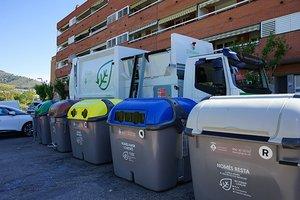 Esplugues incorpora un miler de contenidors accessibles i camions més silenciosos