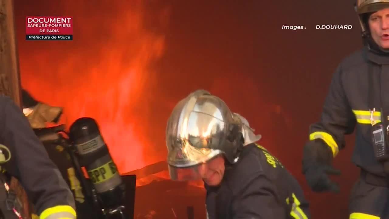 Els bombers temen per l'estabilitat de la façana lateral de Notre-Dame