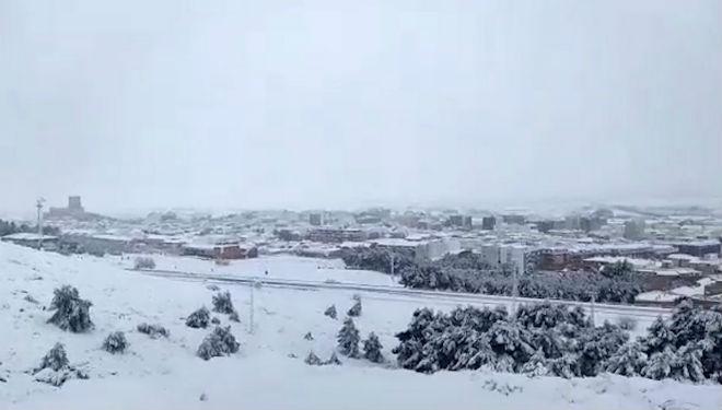 Las nevadas se han sucedido durante todo el día en varios puntos de la Península.