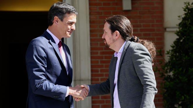 Casi la mitad de los españoles -un 45,2 por ciento- prefiere un Gobierno de coalición entre varios partidos y, de ellos, un 34,1 por ciento apuesta por un Ejecutivo del PSOE y Unidas Podemos con apoyos de partidos nacionalistas no independentistas con las abstenciones que sean necesarias.