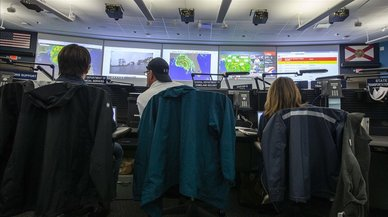 """Zonas de Florida se preparan para afrontar """"el peor huracán en más de un siglo"""""""