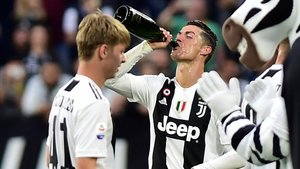 Cristiano Ronaldo celebra su primer scudetto.