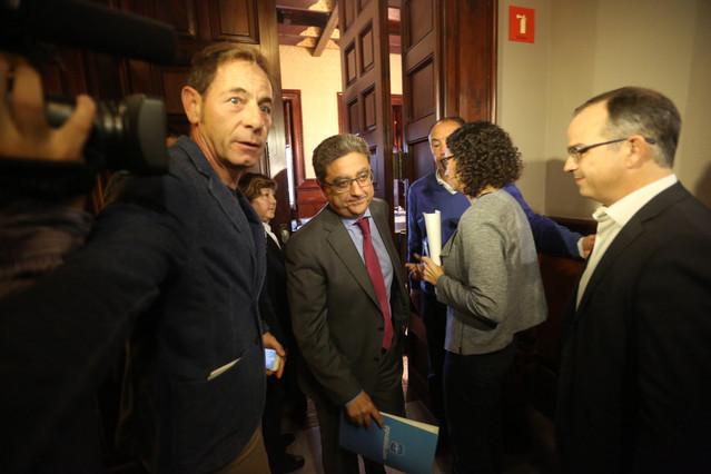 Enric Millo sale de la reunión de la Junta de Portavoces, este martes.