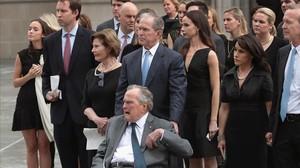La familia Bush al completo despidiendo a la matriarca del clan.