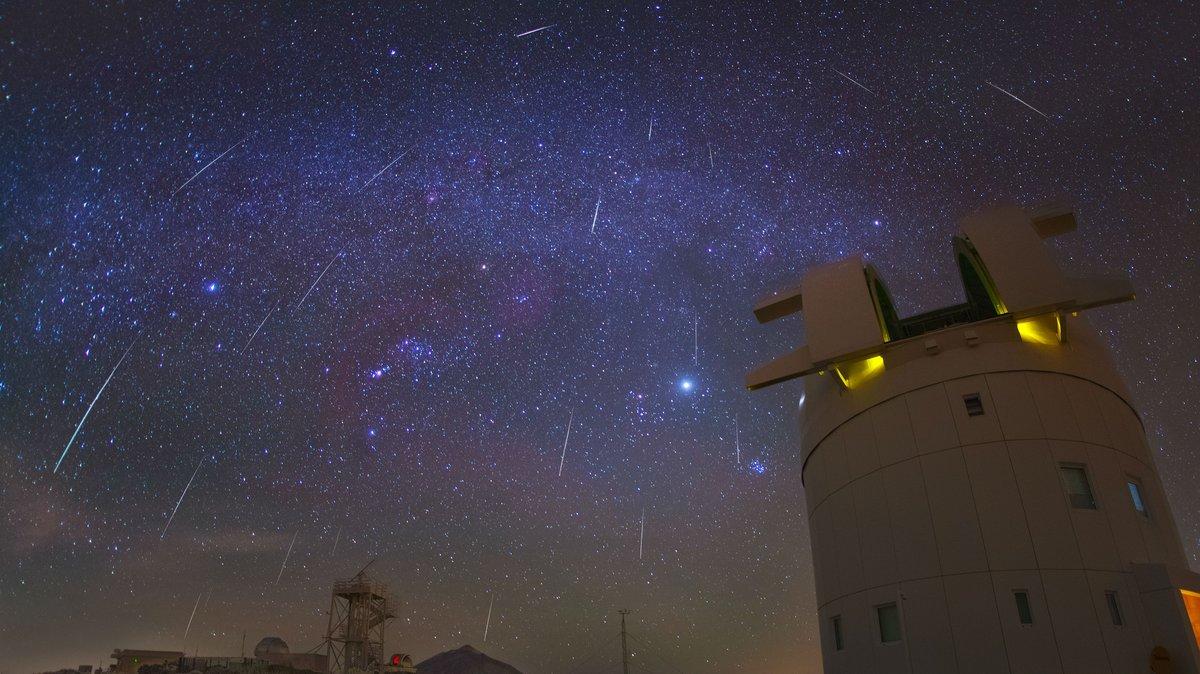 Gemínidas sobre el Observatorio del Teide