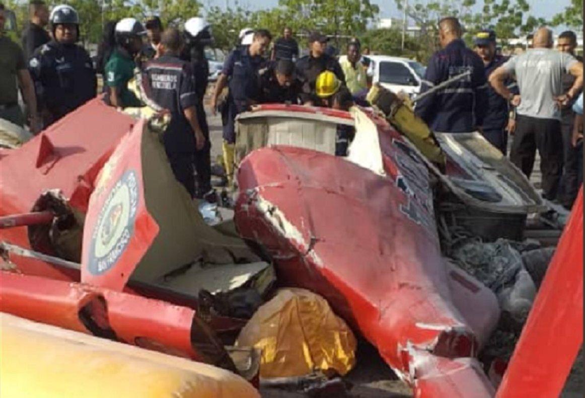 """El helicóptero """"El Patriota"""" se estrelló en el estacionamiento de la Plaza de Toros, en Maracaibo."""