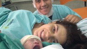 La emotiva carta de un joven a su pareja, que murió tras el parto