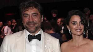 Javier Bardem y Penélope Cruz, el pasado día 2, en la ceremonia de los premios César, en París.