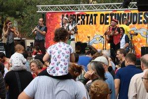 Jornada de fiesta y reivindicación en Sabadell para recaudar dinero para los detenidos del 23-S.