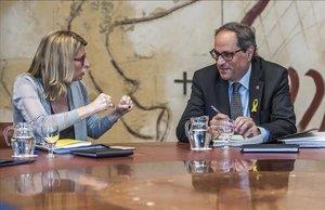 La consellera de Presidència y portavoz del Govern, Elsa Artadi, junto al president de la Generalitat, Quim Torra.