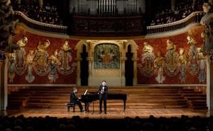 Juan Diego Flórez y el pianista Vincenzo Scalera, en el Palau.