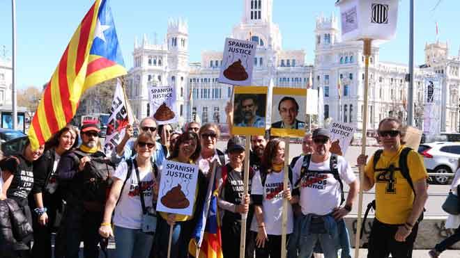 Llegan a Madrid los primeros manifestantes de la marcha independentista.
