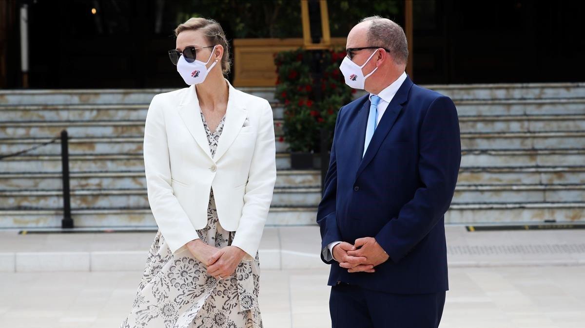 Alberto de Mónaco y su esposa Charlene, es la inauguración de un nuevo casino en Mónaco.