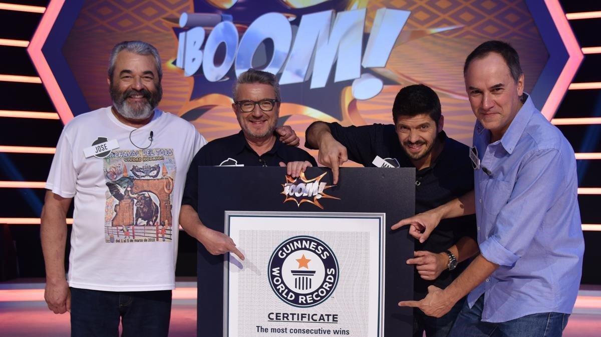 'Los lobos' de '¡Boom!' reciben el Premio Guinness