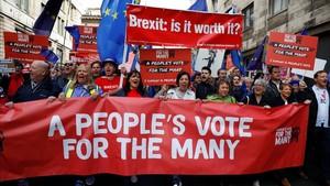 Manifestación en contra del brexit en el centro de Liverpool.