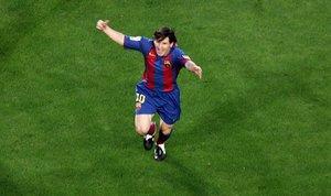 Messi celebra alborozado el primer gol que marcó con el Barça: el 1 de mayo del 2005 al Albacete.