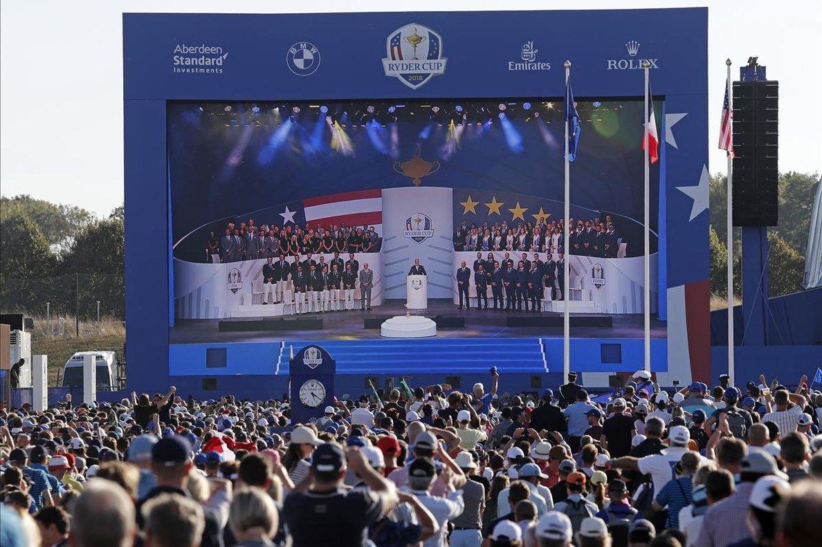 Miles de aficionados, en la ceremonia inaugural de la Ryder