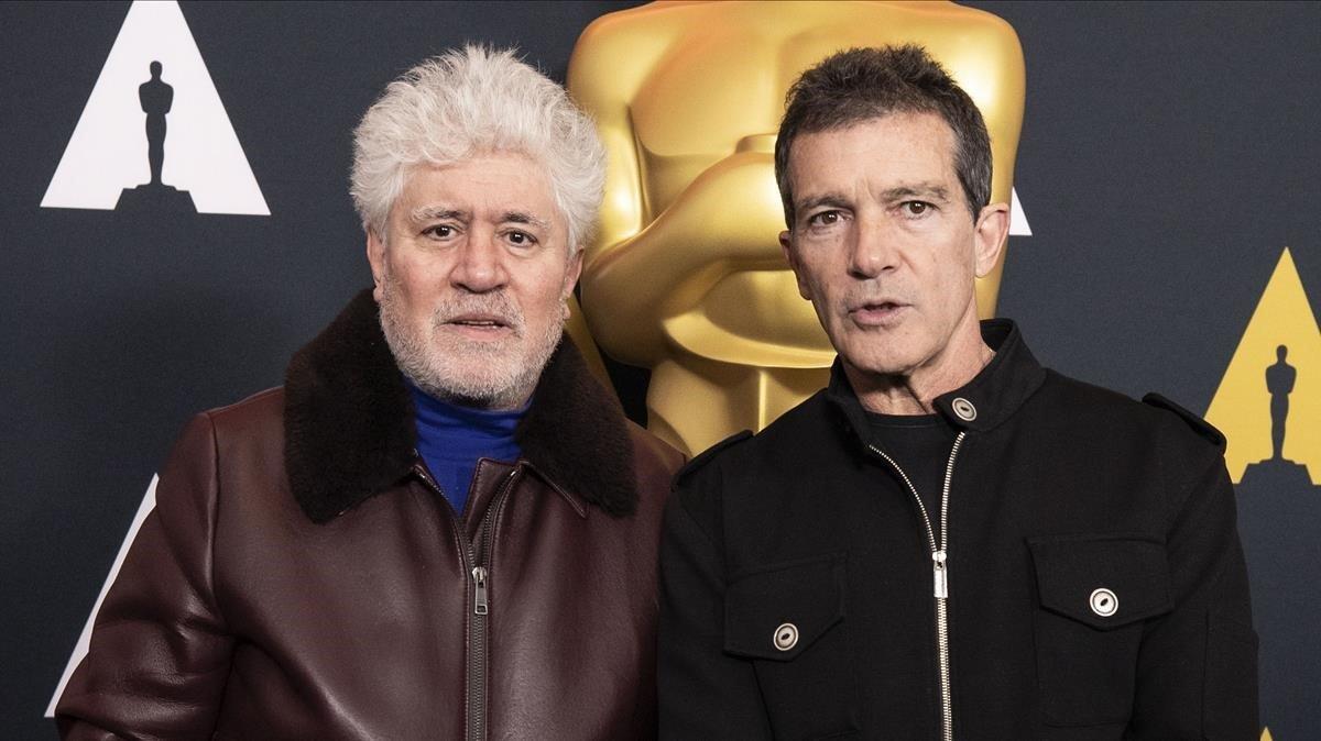 Pedro Almodóvar y Antonio Banderas, este viernes en Hollywood