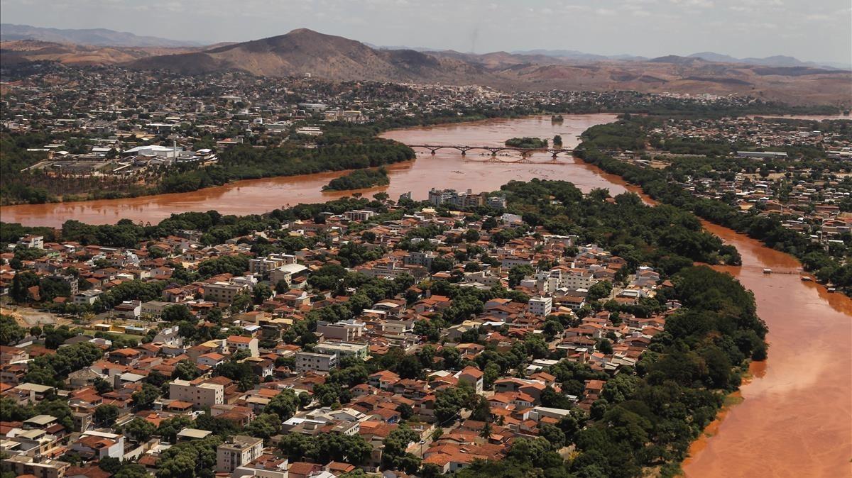 Población de Mariana, en Miras Gerais (Brasil), en una imagen de archivo, en el 2015.