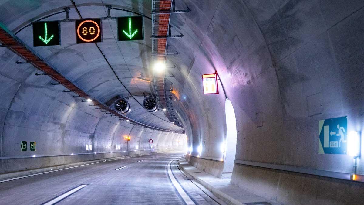 Un recorrido por el nuevo túnel de Vallirana.