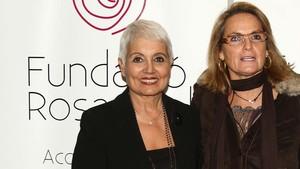 Rosa Oriol junto a Helena Rakosnik en una imagen de archivo.