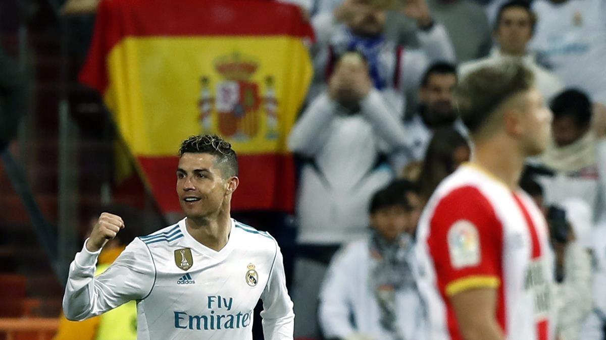 Cristiano Ronaldo celebra un gol ante el Girona.