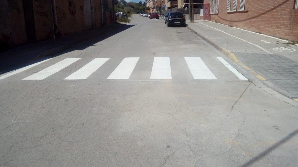 Señalización horizontal en una calle deParets del Vallès