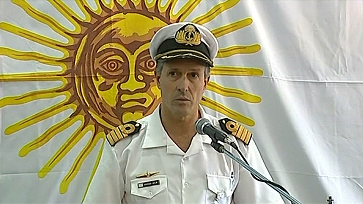 El submarino argentino desaparecido sufrió una explosión según la Armada Argentina.