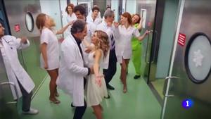 Imagen del número musical de Telepasión que ha enfadado a las enfermeras.