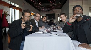 De izquierda a derecha, Ben Stiller, Matthew Broderick, Michael Peña, Casey Affleck yEddie Murphy.