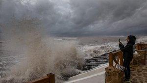 El temporal de lluvia y viento se cebará en Catalunya.