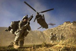EE.UU. enviará tropas y armas a Arabia Saudí.