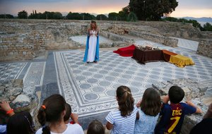 Visita teatralizada sobre la época romana en Empúries.