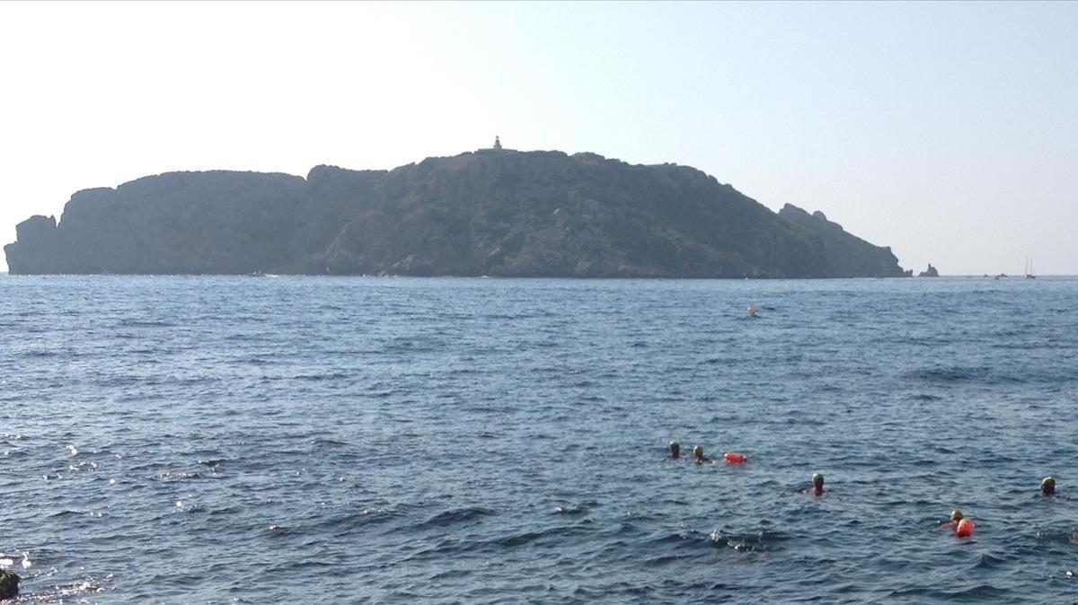 Ondeaba bandera verde en la playa del Estartit cuando ha sucedido